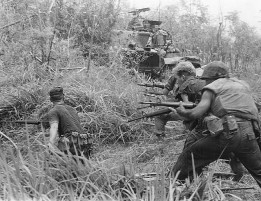 U.S._Marines_in_Operation_Allen_Brook_(Vietnam_War)_001